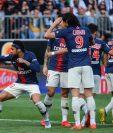 El brasileño Neymar anotó y fue la figura del PSG con Ángel Di María. (Foto Prensa Libre: AFP)