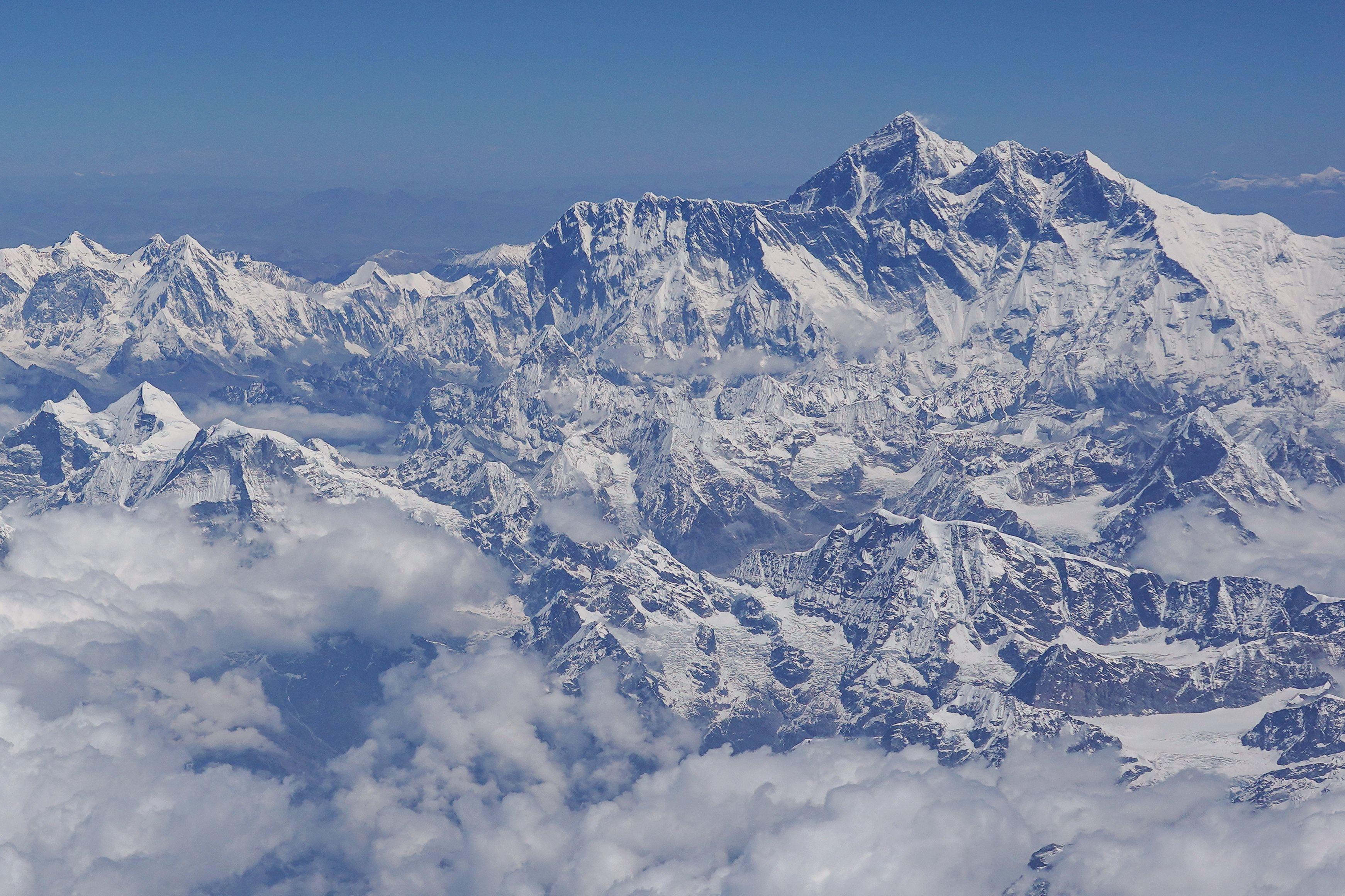 Vista aérea del Monte Everest, el lugar anhelado por los alpinistas. (Foto Prresa Libre: AFP)