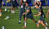 Brazilian player Neymar (C) runs during a training session of the national team at the Granja Comary sport complex in Teresopolis, Brazil, on May 28, 2019 ahead of the Copa America football tournament. (Photo by CARL DE SOUZA / AFP)