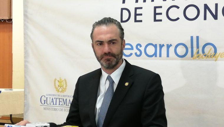 El ministro de Economía, Acisclo Valladares Urruela, fijo su postura por el antejuicio que se promovió en su contra por el Ministerio Público (MP) y la Comisión Internacional Contra la Impunidad en Guatemala (Cicig) en mayo del 2019 (Foto Prensa Libre: Hemeroteca PL)