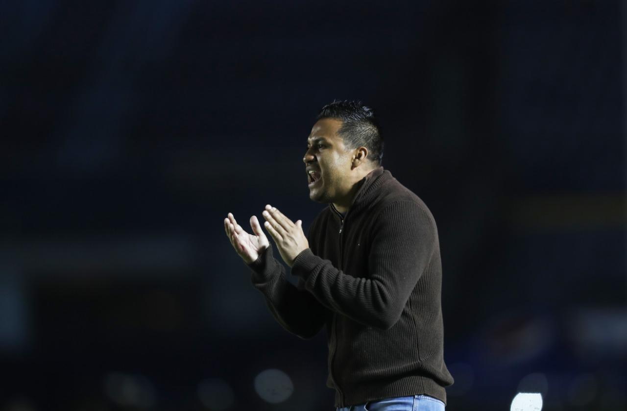 El técnico Amarini Villatoro asegura que la serie frente a Antigua será complicada. (Foto Prensa Libre: Francisco Sánchez)