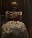 Devela más detalles de Annabelle 3. (Foto Prensa Libre: Tomada de tráiler de Warner Bros)