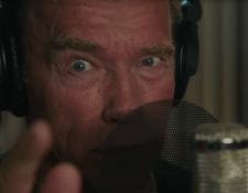 Schwarzenegger en su nueva faceta como rapero. (Foto Prensa Libre: Captura de pantalla de la canción Pump It Up The motivation song)