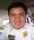 Juan Eduardo Solórzano presta su servicio como socorrista en Retalhuleu. (Foto Prensa Libre: Rolando Miranda).