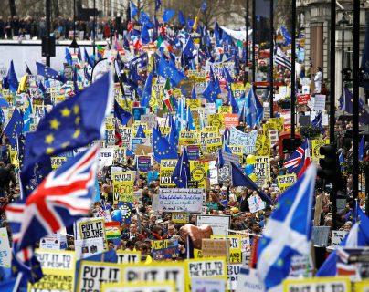Grupos han pedido en varias ocasiones que se realice un segundo referendum para decidir a respecto de la salida del Reino Unido de la UE. (Foto, Prensa Libre: Hemeroteca PL).