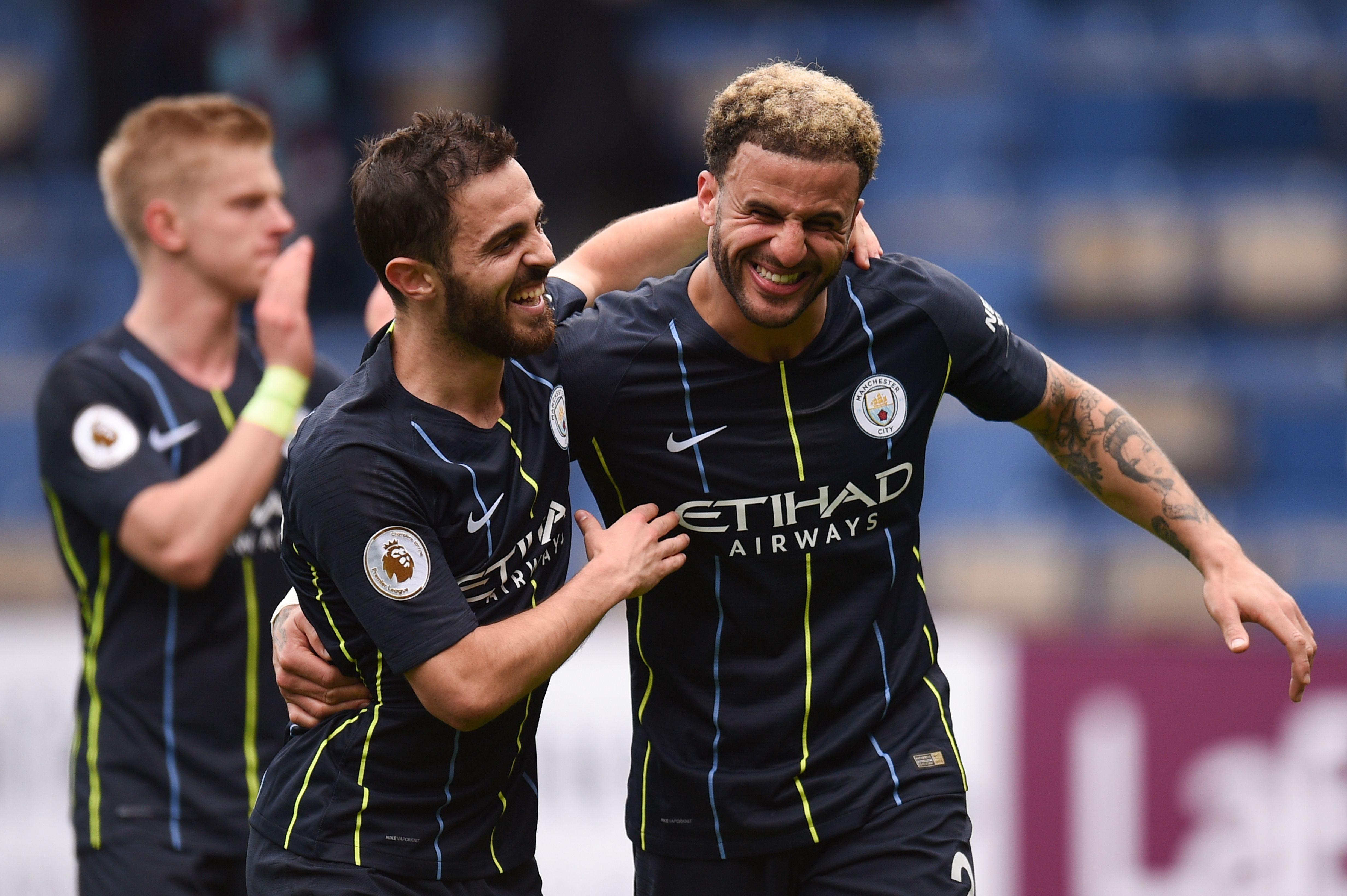 El Manchester City y el Liverpool luchan por el título de la Premier. (Foto Prensa Libre: AFP)