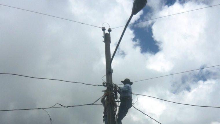 El amparo de la CC ordena evitar cortes de energía en Suchitepéquez y Sololá. (Foto Prensa Libre: Hemeroteca PL).