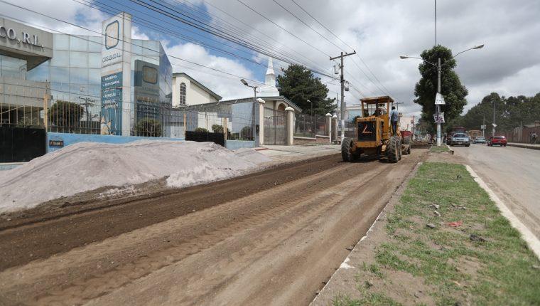 Este sábado la empresa H3 Guatemala retomó los trabajos de reparación de la calle Rodolfo Robles, la obra debía finalizar en abril.