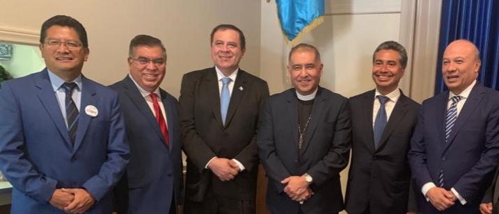 Candidatos que buscan la presidencia de Guatemala participaron en un debate que se llevó a cabo en Los Ángeles, California, Estados Unidos. (Foto Prensa Libre: cortesía)