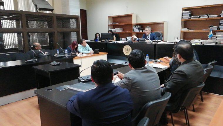 La repetición de la audiencia de apertura a debate se realizó en el Juzgado de Mayor Riesgo B, a cargo de Miguel Gálvez. (Foto Prensa Libre: Carlos Hernández)
