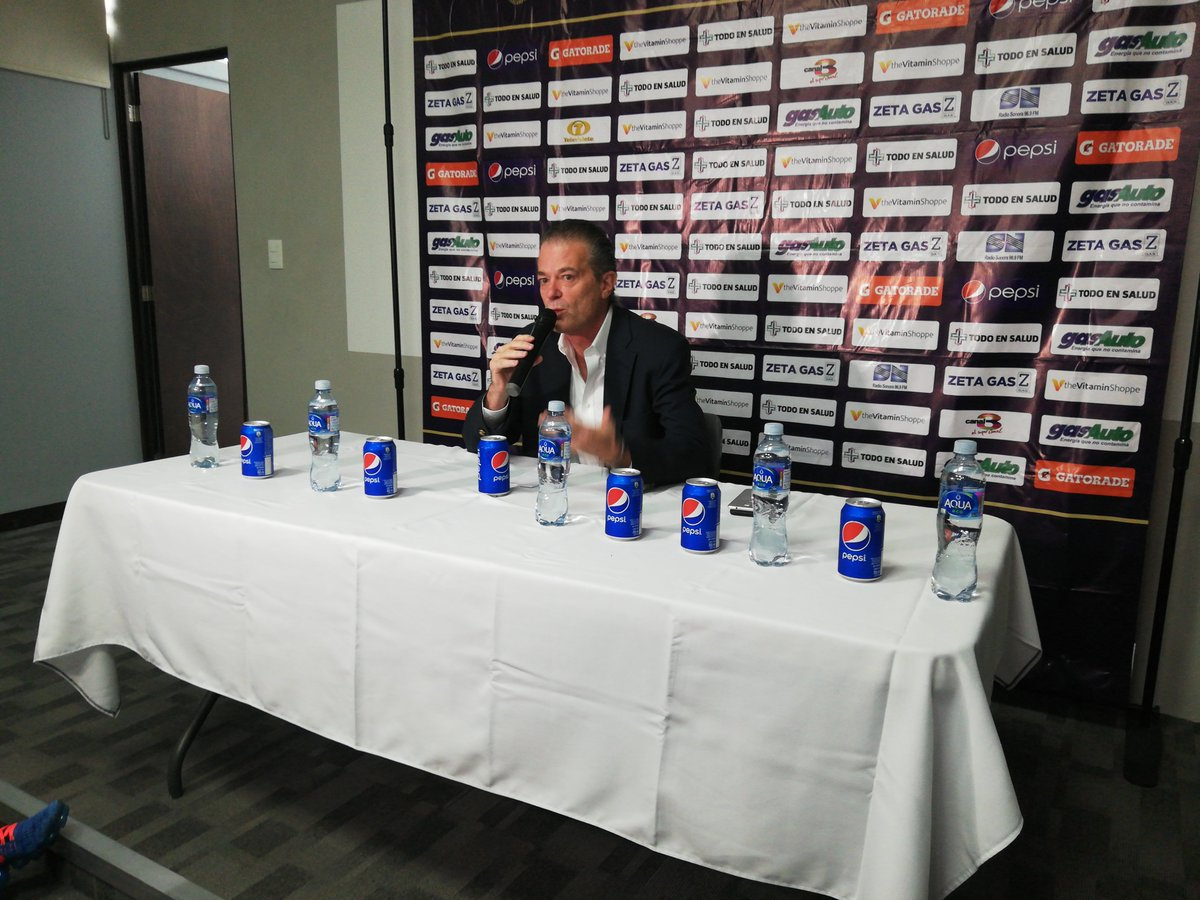 Pedro Portilla, durante la conferencia de prensa de despedida. (Foto Prensa Libre: Edwin Fajardo)