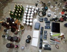 Objetos decomisados en Mariscal Zavala. (Foto Prensa Libre: PNC)