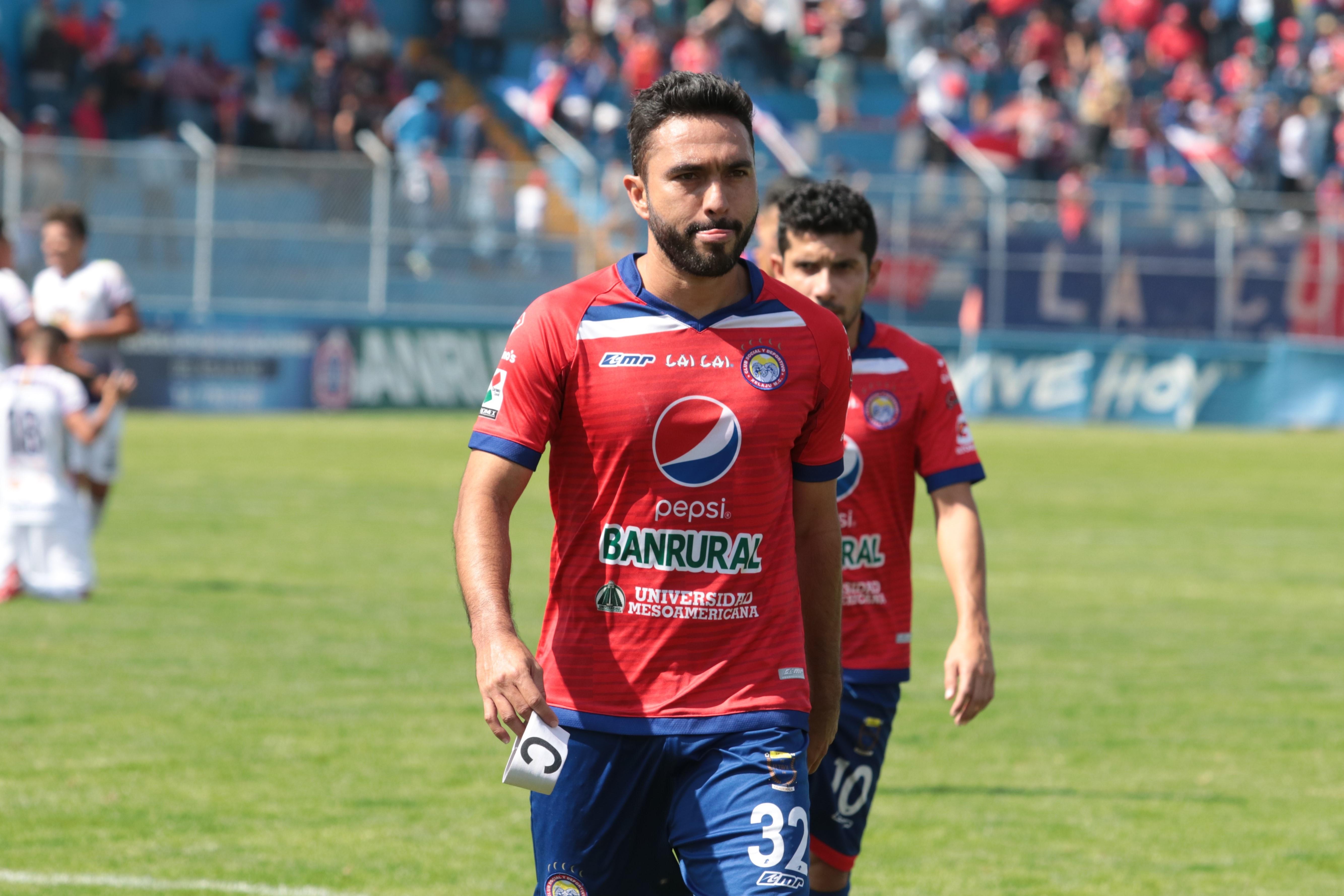 El delantero mexicano definirá esta semana su continuidad en Xelajú. (Foto Prensa Libre: Raúl Juárez)