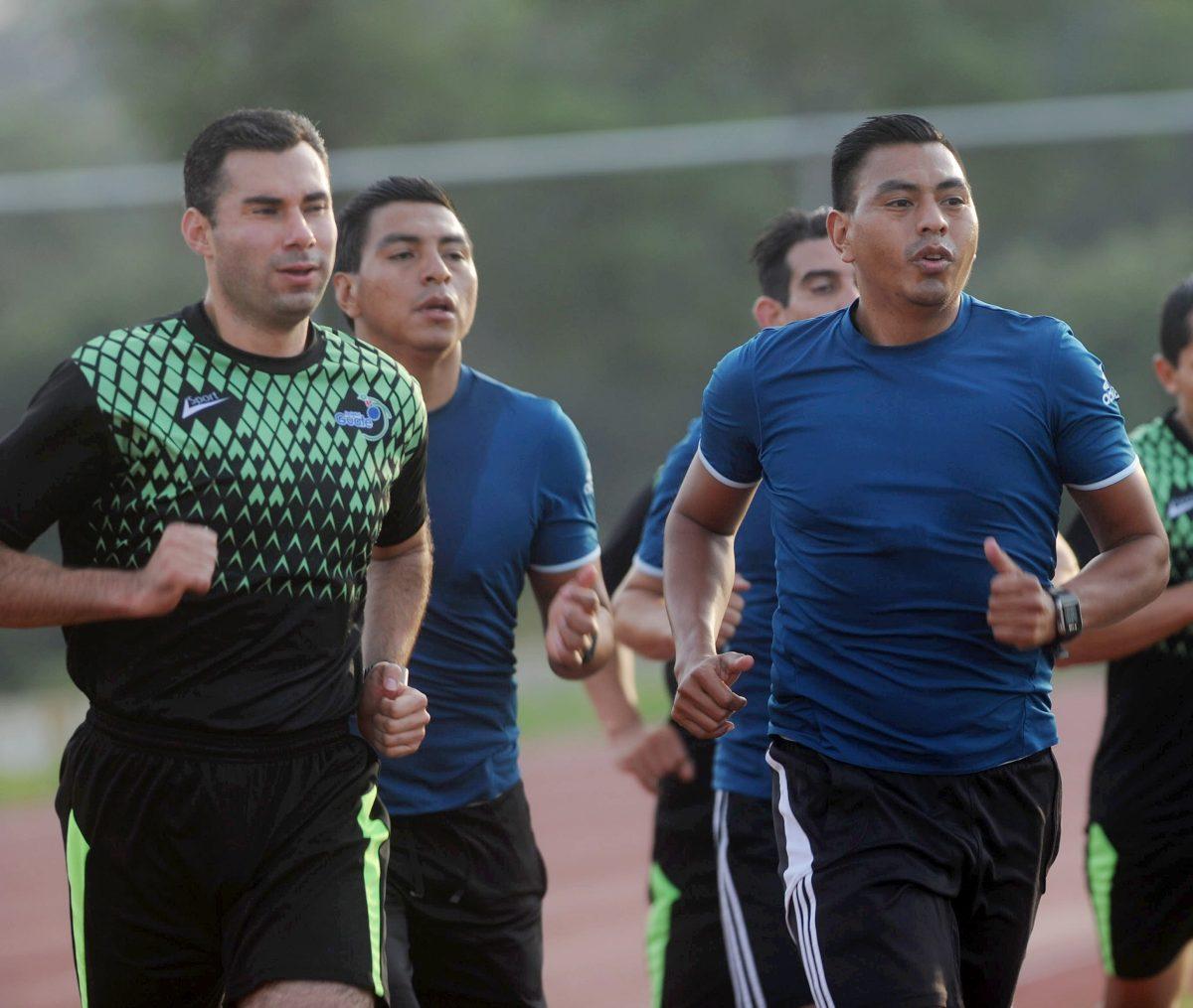 Los árbitros Mario Escobar y Wálter López representarán a Guatemala en la Copa Oro 2019
