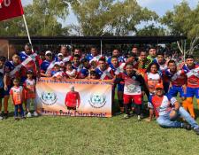 """Con una goleada dedicada a """"Chico"""" Pardo, Achuapa avanza a semifinales de la Primera División. (Foto Prensa Libre: Deportivo Achuapa)"""