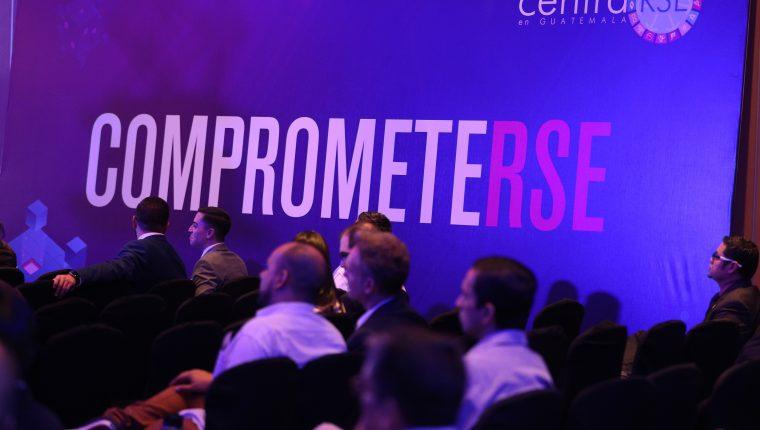 El XII Foro Nacional de responsabilidad social empresarial conlleva varias mesas de discusiones. (Foto, Prensa Libre: Carlos Hernández).