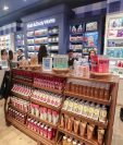 Así luce el nuevo local de Bath & Body Works en el centro comercial Miraflores. (Foto Prensa Libre: Juan Diego González)