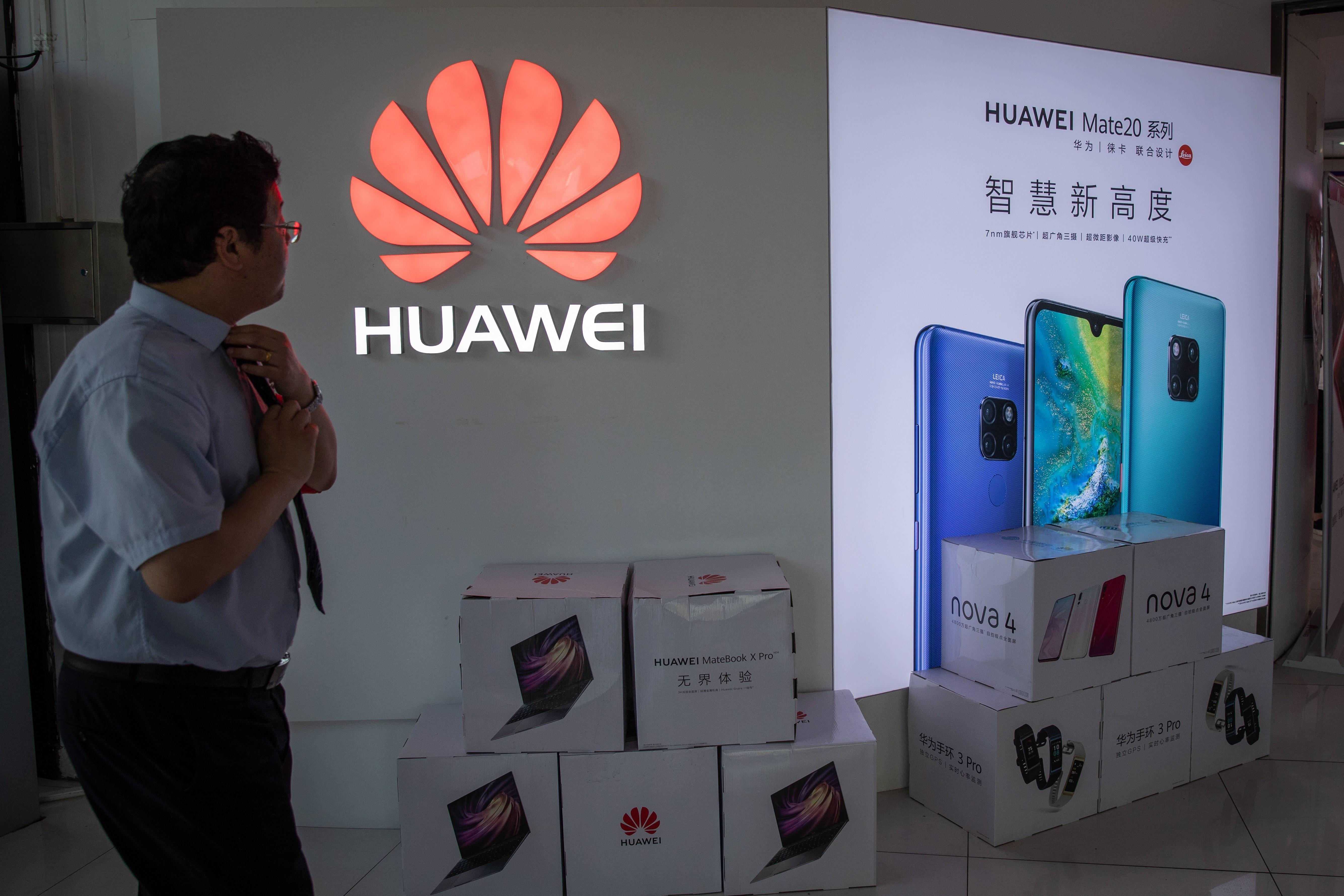 El veto de Google y otras tecnológicas estadounidenses a Huawei podría frustrar la aspiración del fabricante chino de liderar ese sector. (Foto Prensa Libre: EFE)