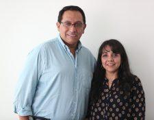 Alex Gudiel y Magnolia Pozuelos de Gudiel lograron a través de un programa de finanzas personales solventar en ochos meses una deuda de Q1 millón 500 mil. (Foto Prensa Libre: Keneth Cruz)
