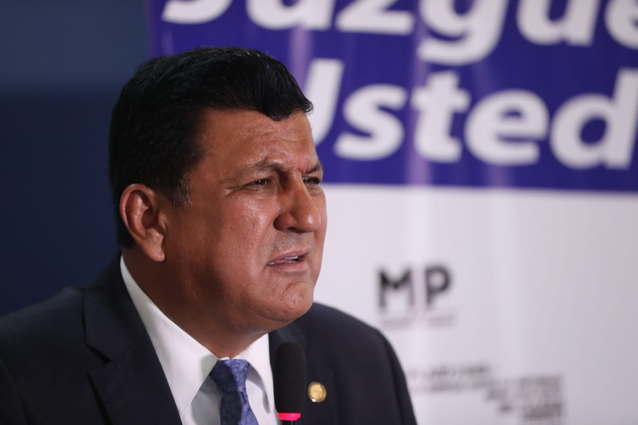 Estuardo Galdámez, diputado y candidato a presidente por FCN. (Foto Prensa Libre: Érick Ávila)