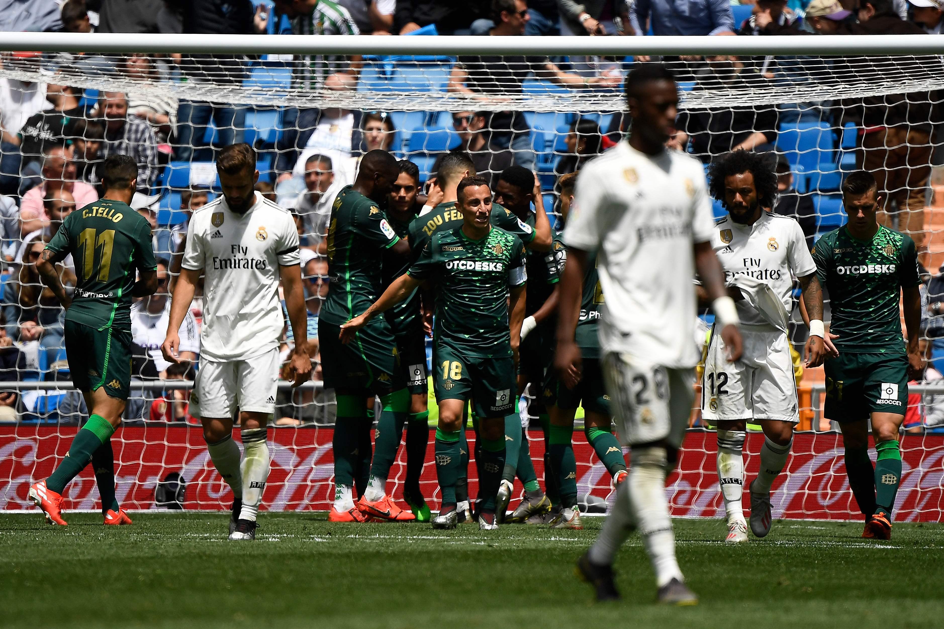 Cabizbajos, los jugadores del Real Madrid terminaron su participación en la temporada (Foto Prensa Libre: AFP).