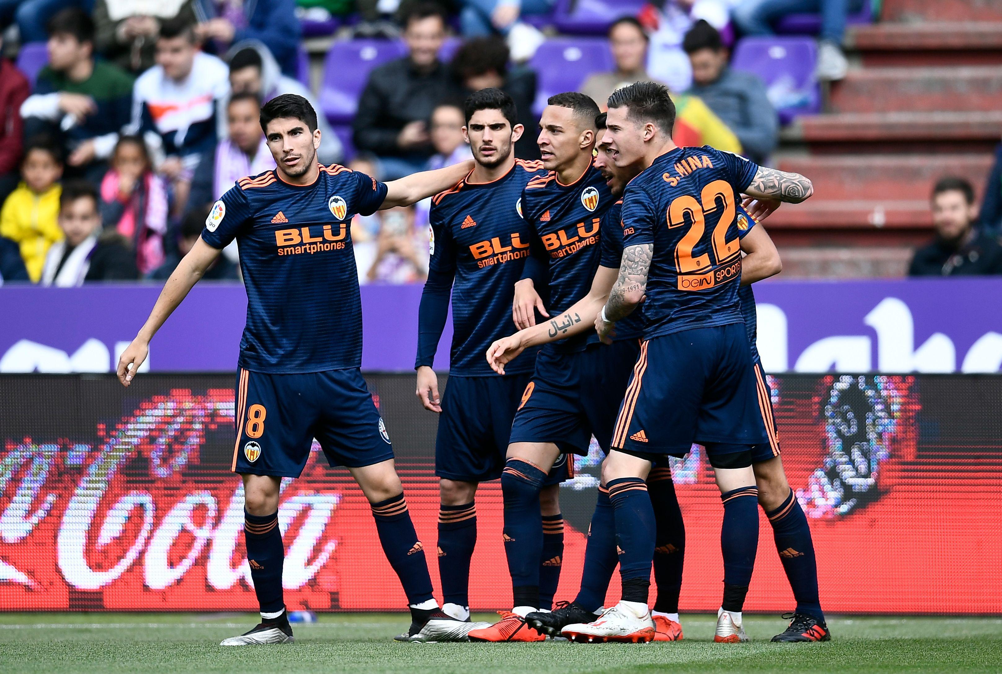 El Valencia venció 2-0 al Real Valladolid y se clasificó para la próxima Liga de Campeones. (Foto Prensa Libre: AFP).