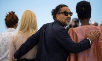 EPA6233. CANNES (FRANCIA), 14/05/2019.- El presidente del jurado, el director de cine mexicano Alejandro González Iñárritu (c), posa durante la presentación del jurado, este martes, en el Festival de Cannes (Francia). EFE/ Ian Langsdon