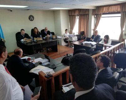La Sala Primera de Apelaciones de Mayor Riesgo en la vista pública por un amparo relacionado con el caso financiamiento electoral no registrado a la agrupación política FCN-Nación. (Foto Prensa Libre: Kenneth Monzón)