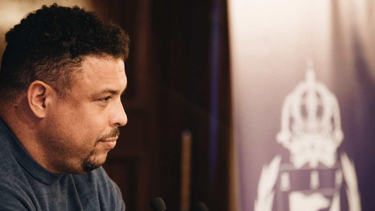 El brasileño Ronaldo Nazario defiende los derechos de las personas con sobrepeso