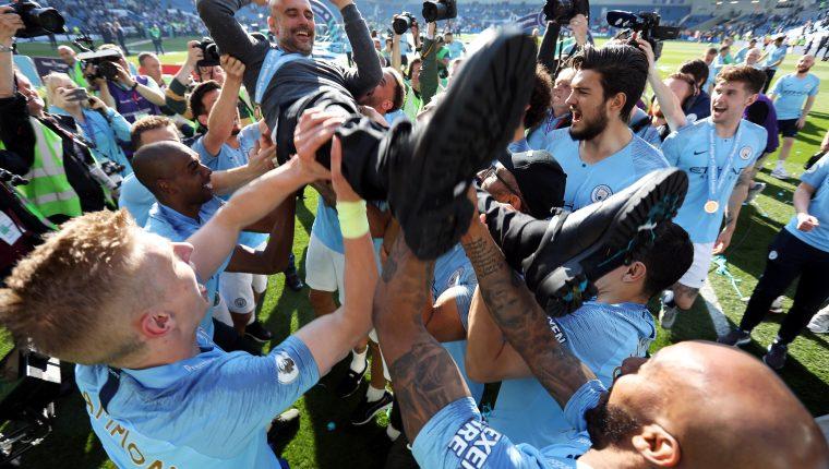 Pep Guardiola es uno de los entrenadores más exitosos de Europa. (Foto Prensa Libre: EFE)
