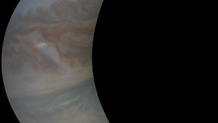 Una de las imágenes captadas por Juno en su punto má cercano a Júpiter. (Foto: Nasa)