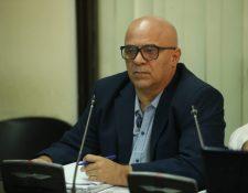 El exministro de Salud, Jorge Alejandro Villavicencio Álvarez, escuchó la imputación que hizo el representante del Ministerio Público. (Foto Prensa Libre: Esbin García)