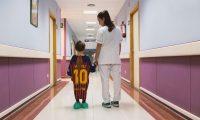 Las camisetas de futbol convertidas en batas incluyen a equipos como el Barcelona y el Real Madrid. (Foto Prensa Libre: Panenka)