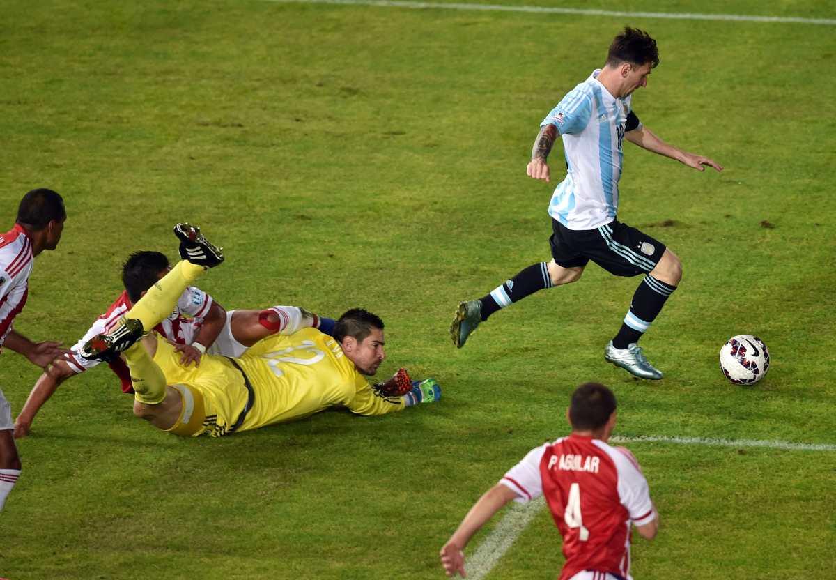 """Kempes: """"Ojalá Scaloni logre que Messi no se conforme con ser el mejor"""""""