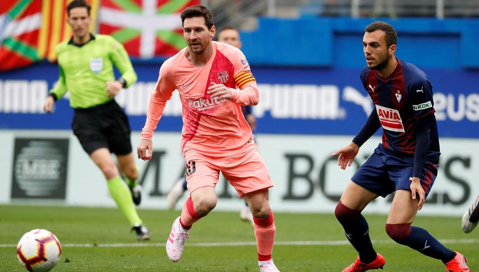 Messi fue el artífice del empate del Barcelona contra el Éibar. (Foto Prensa Libre: EFE)