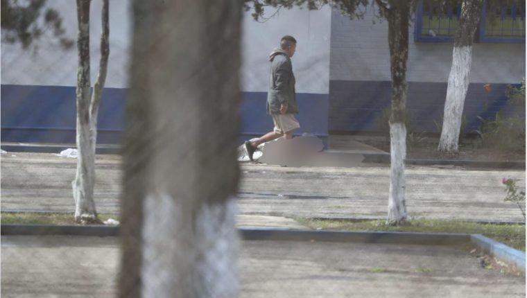 Un ataque dejó a varias personas heridas y dos personas fallecidas en la Granja Penal de Pavón. Foto Prensa Libre: Érick Ávila