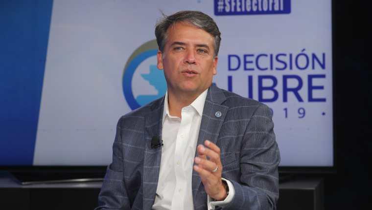 Edwin  Escobar, de Prosperidad Ciudadana. (Foto Prensa Libre: Erick Ávila)
