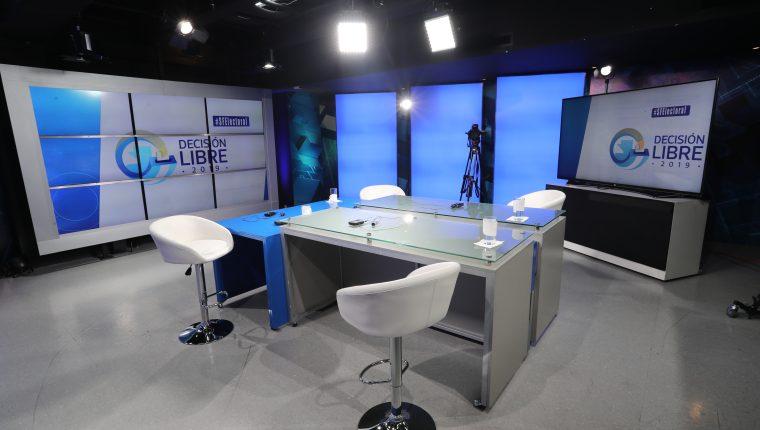 Set del programa Sin Filtro Electoral, transmitido por Guatevisión y Prensa Libre.