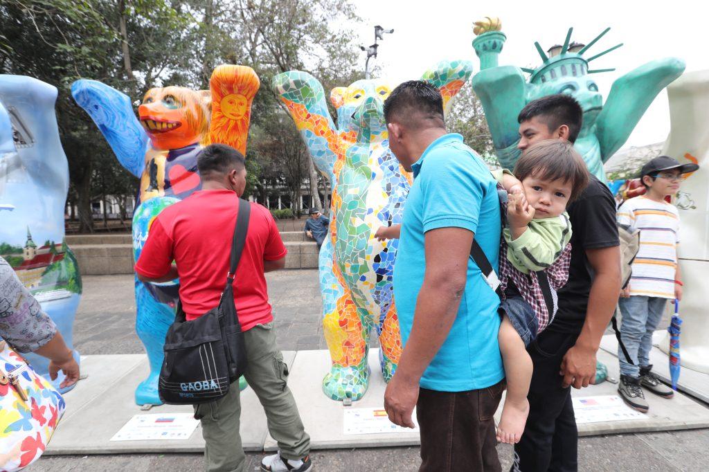 Los 144 osos estuvieron expuestos en Antigua Guatemala, Sacatepéquez. Foto Prensa Libre: Óscar Rivas
