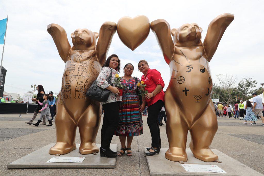 La exposición United Buddy Bears representa la amistad y la tolerancia. Foto Prensa Libre: Óscar Rivas