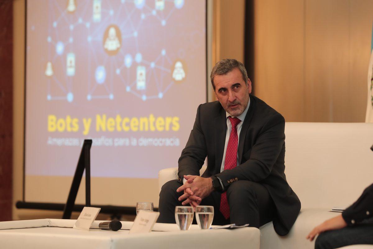 Los voceros de la desinformación: así operan las articuladas redes de netcenters