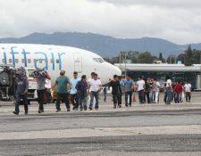 A diario son deportados decenas de guatemaltecos desde Estados Unidos, muchos de los cuales son del área rural de la provincia. (Foto Prensa Libre: Érick Ávila)
