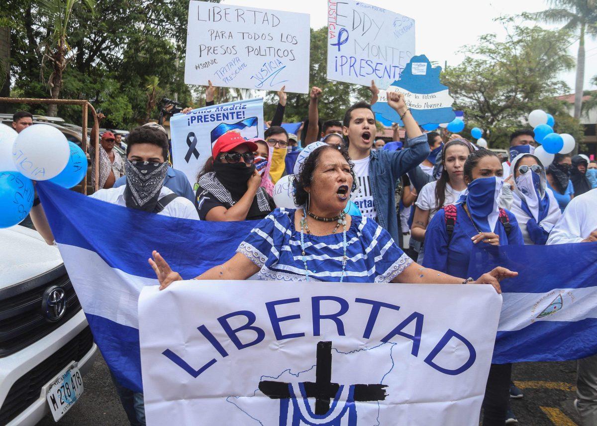 Protestan contra Ortega en Nicaragua, pese a amplio despliegue policial