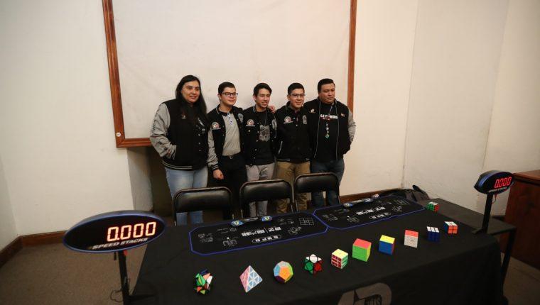 Integrantes de la Asociación Nacional del Cuno de Rubik serán anfitriones de esta competencia. (Foto Prensa Libre: María Longo)