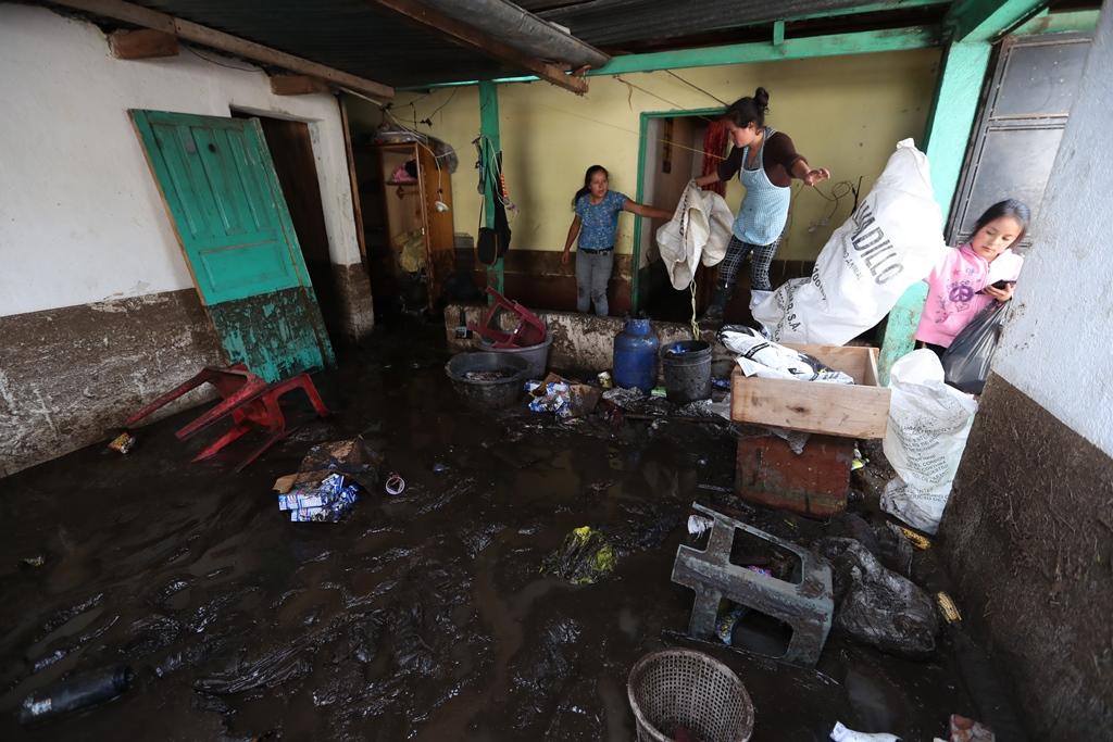 Desbordamiento de río Samalá provoca daños en viviendas de San Carlos Sija