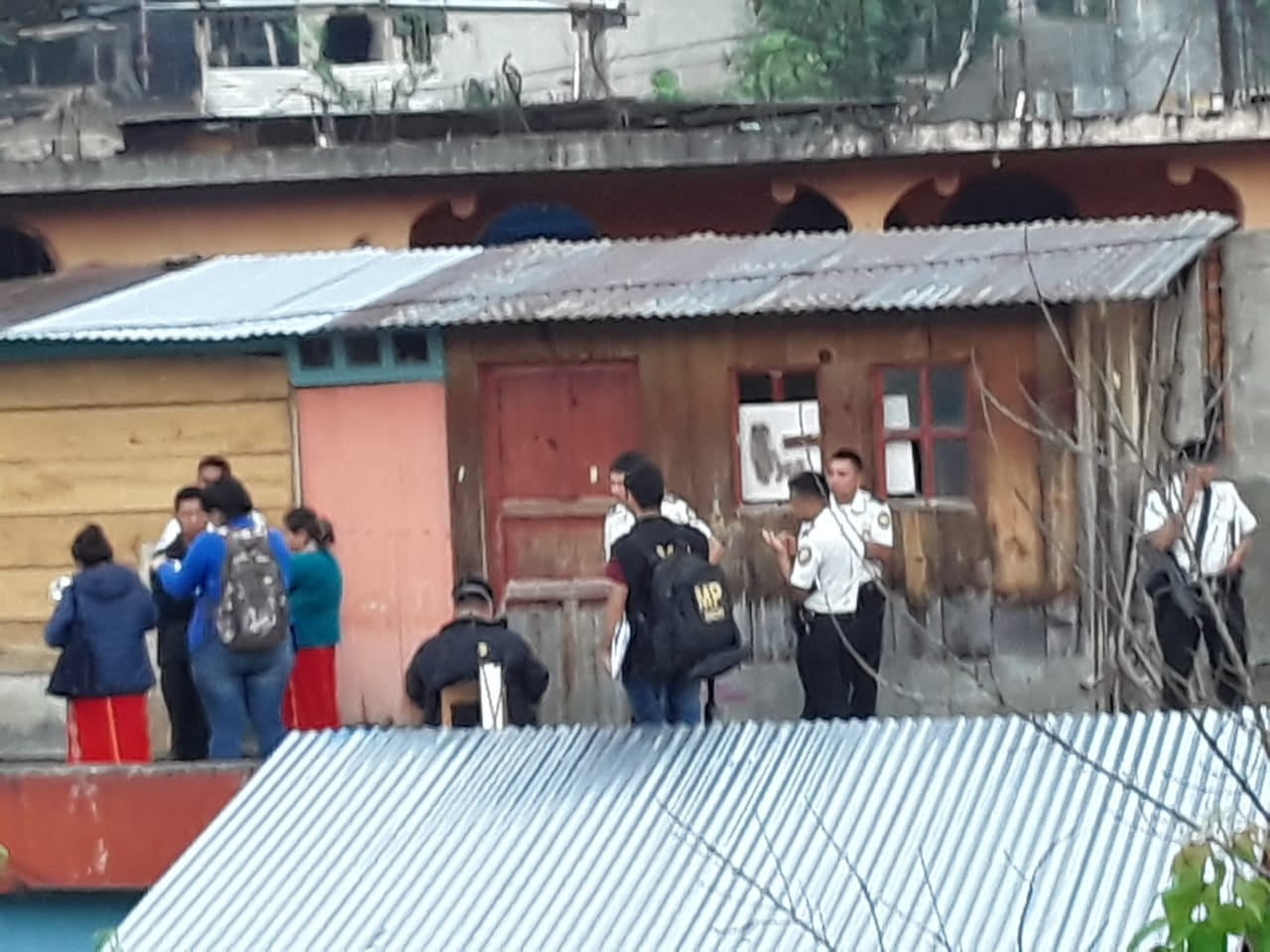 En tres días, dos jóvenes se habrían  quitado la vida en Tu Manzano, Nebaj, Quiché.  (Foto Prensa Libre: Héctor Cordero).