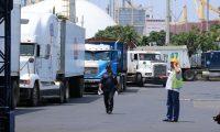 Foto 4: Mas de 300 contenedores con mercadería variada no pudo ser entregada a tiempo debido al  bloqueo que mantuvieron maestros en Puerto Quetzal, Escuintla.