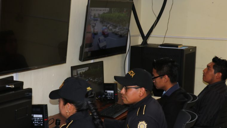 El sistema de monitoreo está a cargo de la PNC y de la municipalidad de Chimaltenango. (Foto Prensa Libre: Víctor Chamalé)