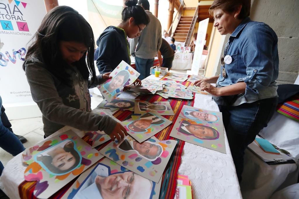 Feria Electoral en Xela: ¿Cuánto conoce a su candidato? y ¿Cómo descubrir noticias falsas?
