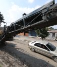 La empresa que repara las calles de Xela pidió 15 días hábiles para entregar la calle Rodolfo Robles. (Foto Prensa Libre: Mynor Toc)